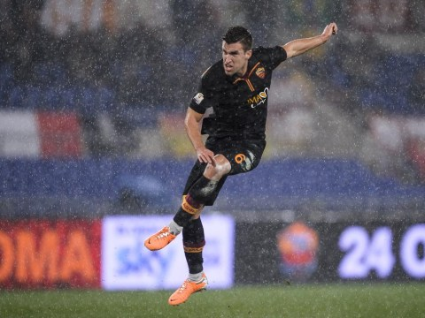 Manchester United have not made an approach for Kevin Strootman, insists Roma player's agent