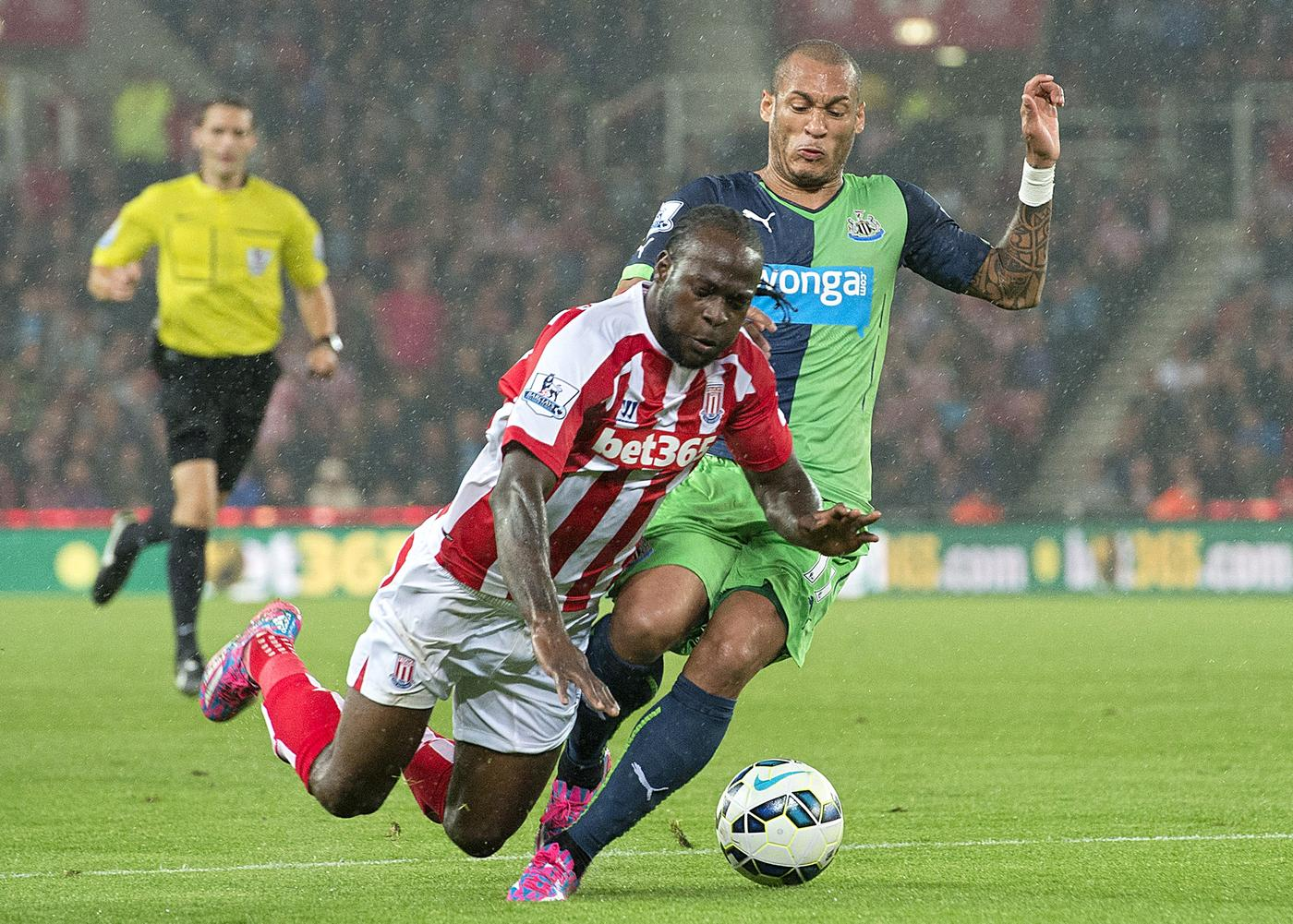 Stoke pile pressure on Newcastle United's Alan Pardew – but at what cost?
