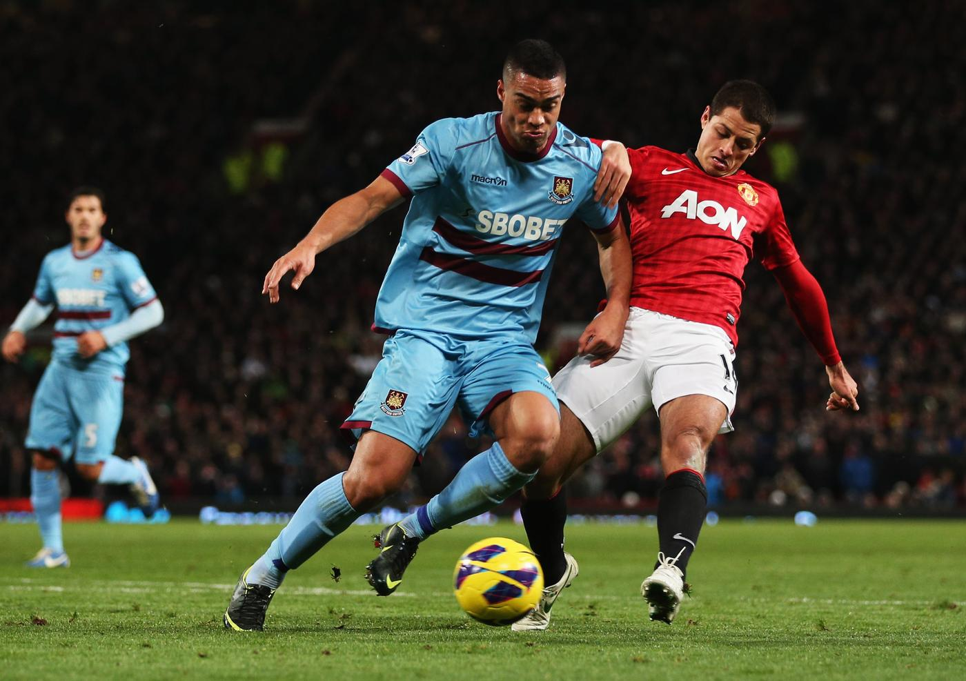 Manchester United 'tracking West Ham defensive transfer target Winston Reid'
