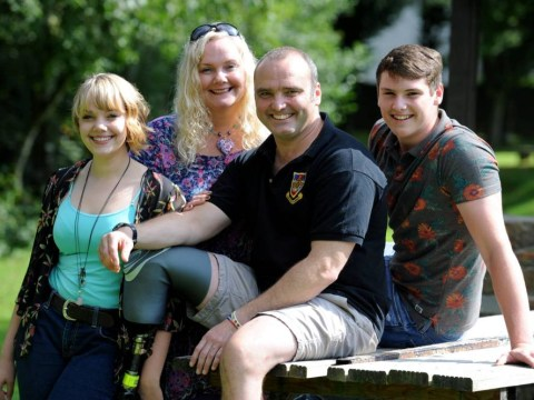 War hero who survived three tours of Afghanistan loses leg while helping car crash victims