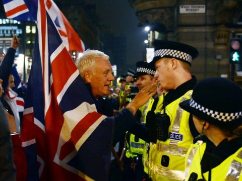 Police called in to separate Unionists and pro-independence supporters after clashes in Glasgow