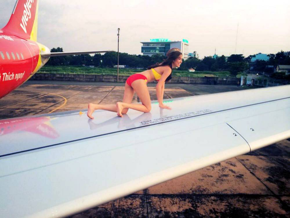 Cabin fever! Air hostesses pose in bikinis for VietJet ad campaign in leaked photos