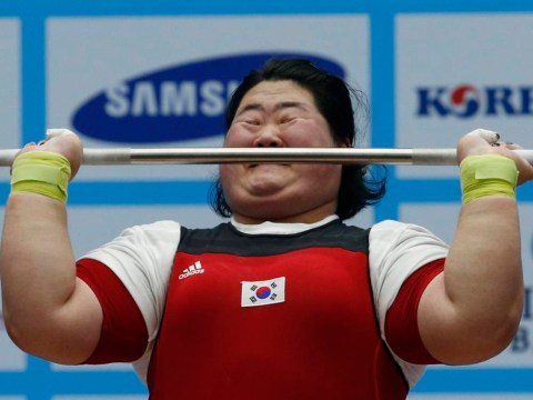 Pictures: Funny faces of Moonlight Festival Garden weightlifting at the 17th Asian Games