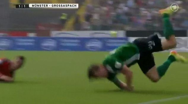 Benjamin Siegert pulls off bizarre break-dancing dive against Grossapach in German third division