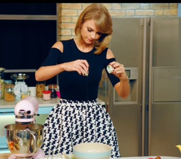 Taylor Swift baked a cake and had a bonkers dance off with Jamie Oliver