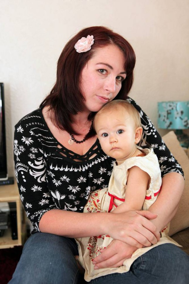 Breastfeeding mother Vicky Ogborne gets letters of apology from