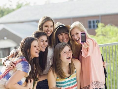 Selfies 'give you head lice', warn Russian authorities