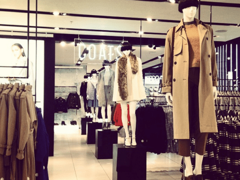 17 thoughts every girl has while shopping in Topshop