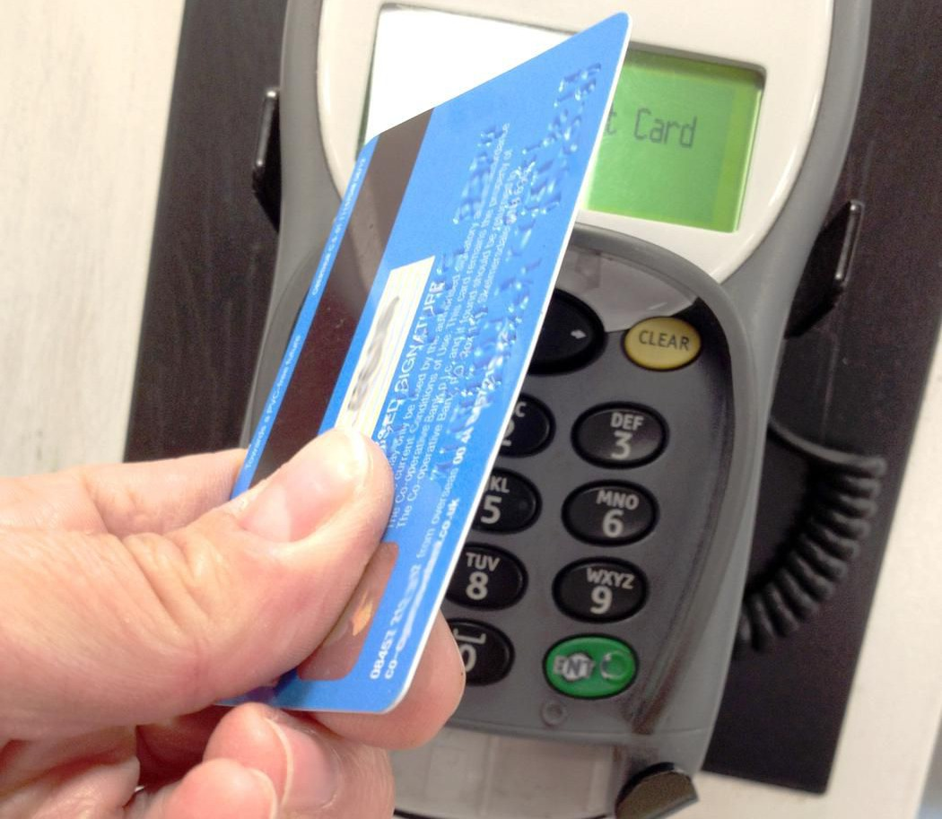 CNGLRET873 Contactless Payment Kelly Loughlin/Moment Editorial/Getty Images