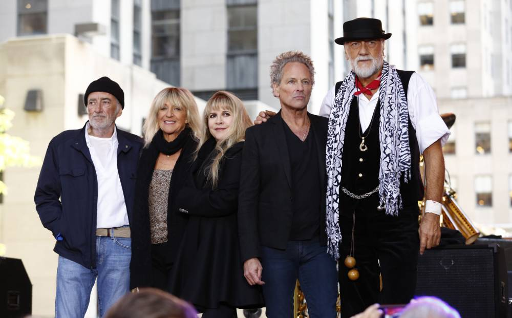 Fleetwood Mac to be joined by Christine McVie for summer 2015 tour – but gap in dates fuels further Glastonbury rumours