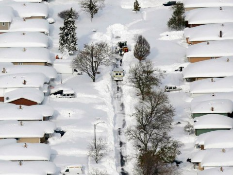 Snow hits the US east coast by the shedload