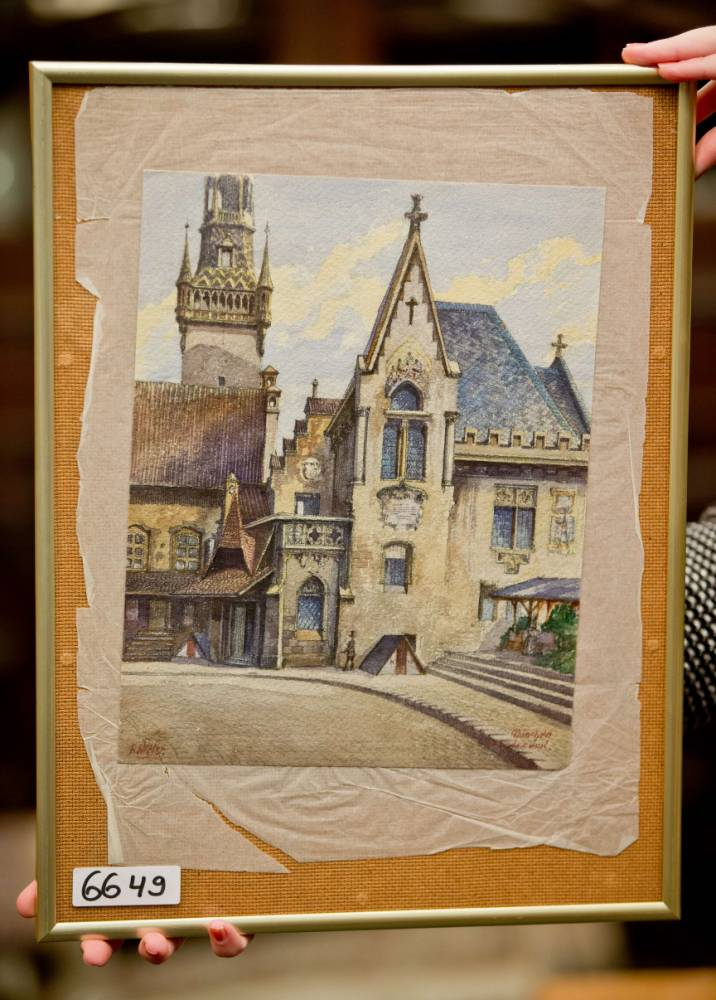 Hitler watercolour painting sells for £103,000 at auction