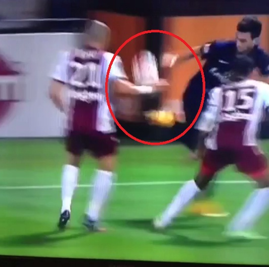 Paris Saint-Germain's Javier Pastore pulls off awesome 'rainbow' flick during Ligue 1 clash with Metz