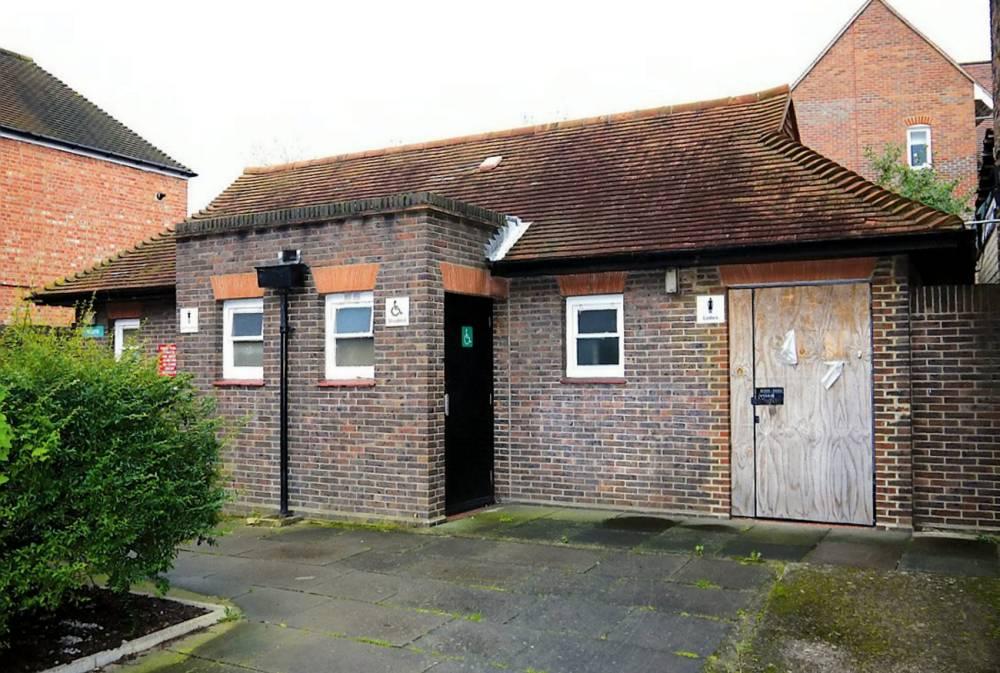 One lucky bidder dumps £415K on a near-priceless public toilet