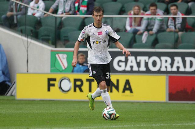 Arsenal have opening bid for 16-year-old Legia Warsaw midfielder Krystian Bielik rejected