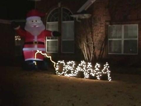 Man uses Christmas display to take p*** out of Obama