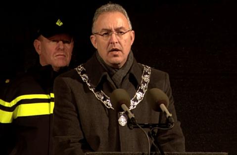 Muslim mayor of Rotterdam tells extremists who don't like freedom 'f*** off'