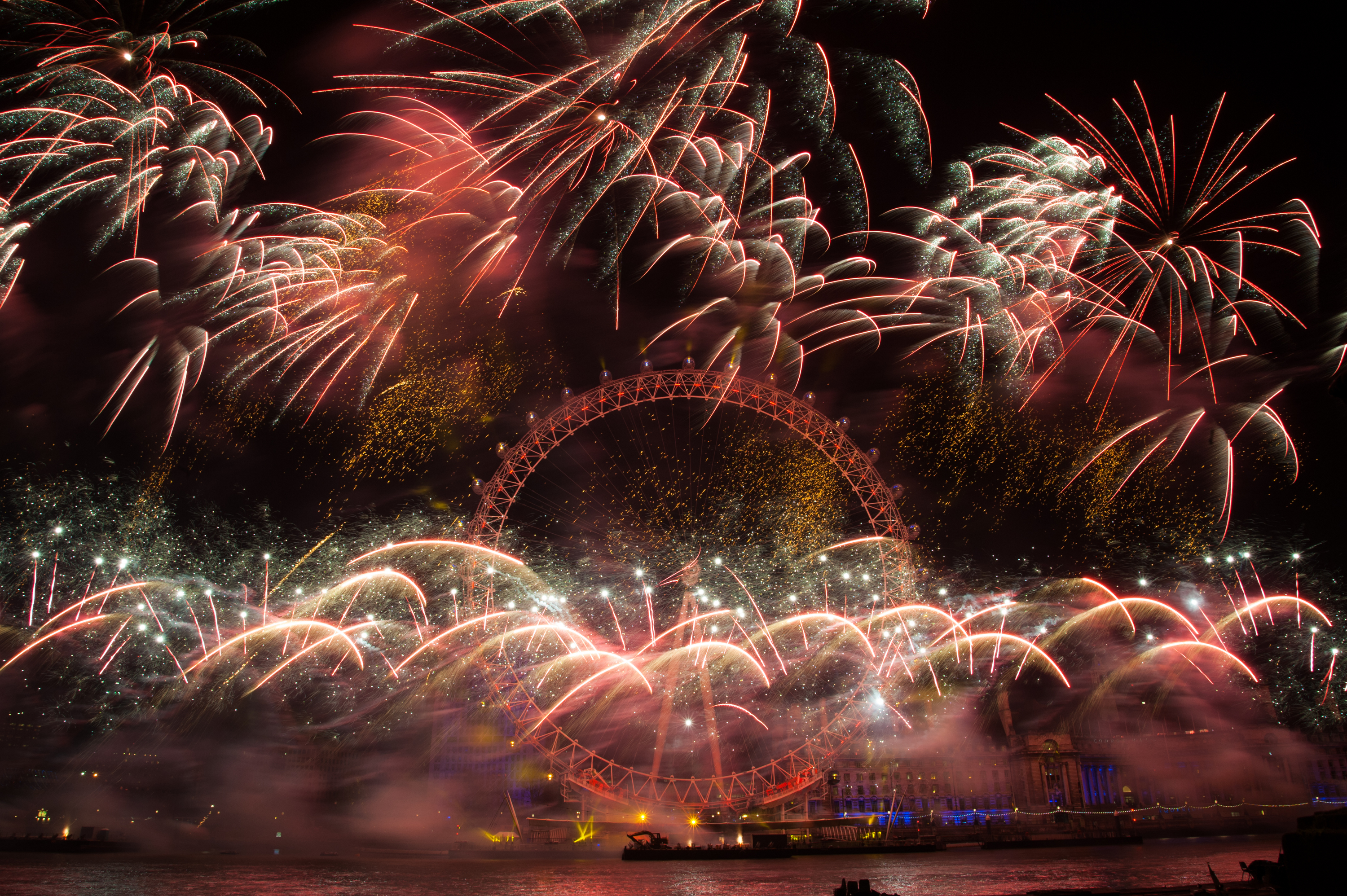 Pictures: New Year's Eve 2015 – The world welcomes 2015 with spectacular fireworks