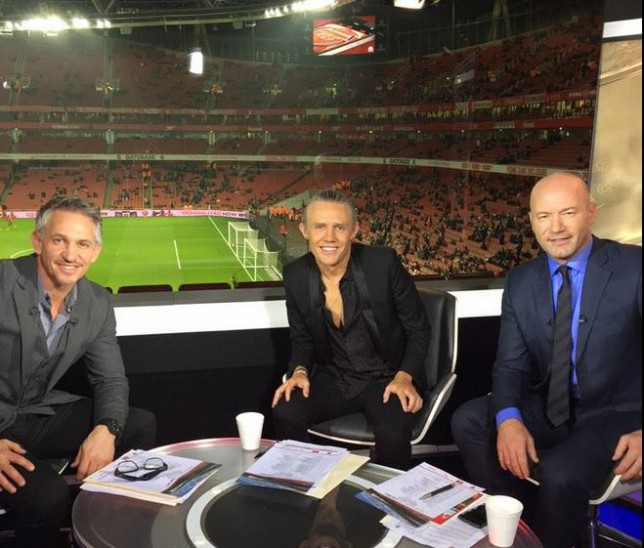 Jimmy Bullard mocked on Twitter for Match of the Day clothing during Arsenal Hull City FA Cup clash