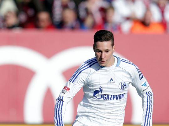 Julian Draxler looks set to stay at Schalke