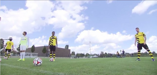 Marco Reus does Cristiano Ronaldo's free-kick stance to perfection