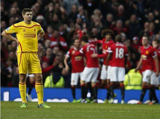 Steven Gerrard playing against Manchester United