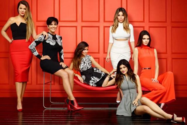 TV STILL -- KEEPING UP WITH THE KARDASHIANS -- Season: 9 -- Pictured: (l-r) Khloe Kardashian, Kris Jenner, Kourtney Kardashian, Kim Kardashian, Kylie Jenner, Kendall Jenner -- (Photo by: Brian Bowen Smith/E!)