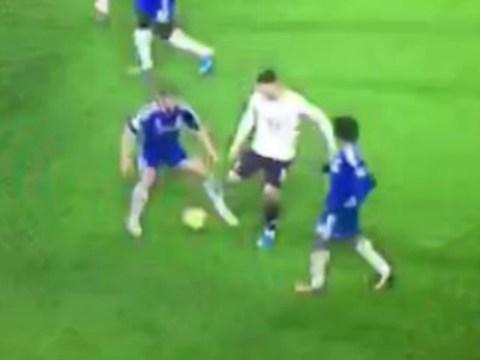 Everton's Ross Barkley totally owns Chelsea's Branislav Ivanovic with filthy nutmeg
