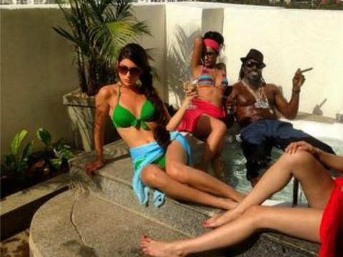 This is how Chris Gayle is warming up for West Indies' Cricket World Cup clash with Zimbabwe