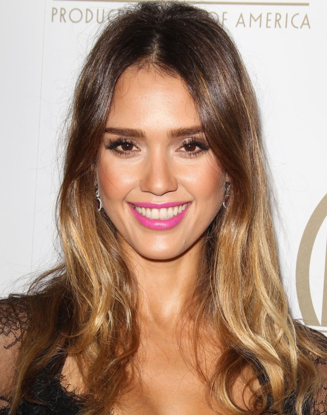jessica alba cut all her hair off and now has a short bob