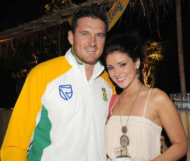 Cricketer's wife 'finds out he wants a divorce after sending