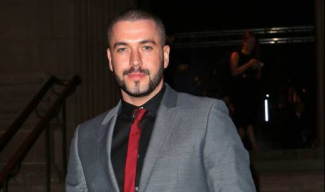 STAR SHAYNE WARD AT A CHARITY DINNER IN AID OF CHRISTIES HOSPITAL