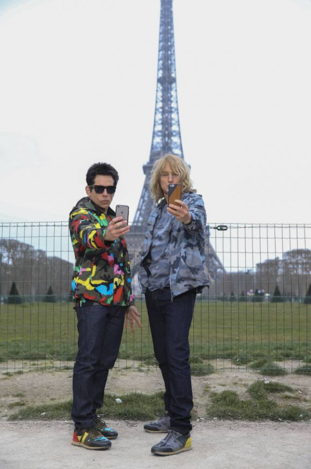 Paris Fashion Week 2015: Derek Zoolander stole someone's phone on the catwalk and it was awesome