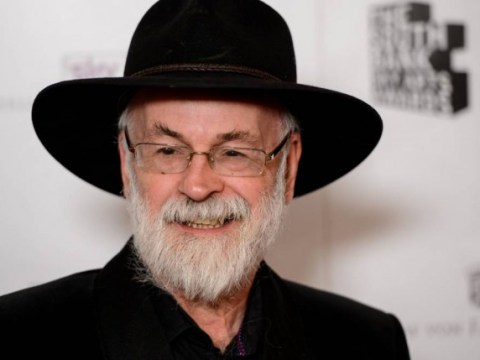 Terry Pratchett dead: Neil Gaiman leads tributes to Discworld author as others flock to Twitter to pay their respects