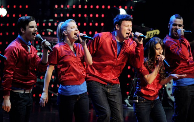 Glee finale pays tribute to Cory Monteith with flashback episode