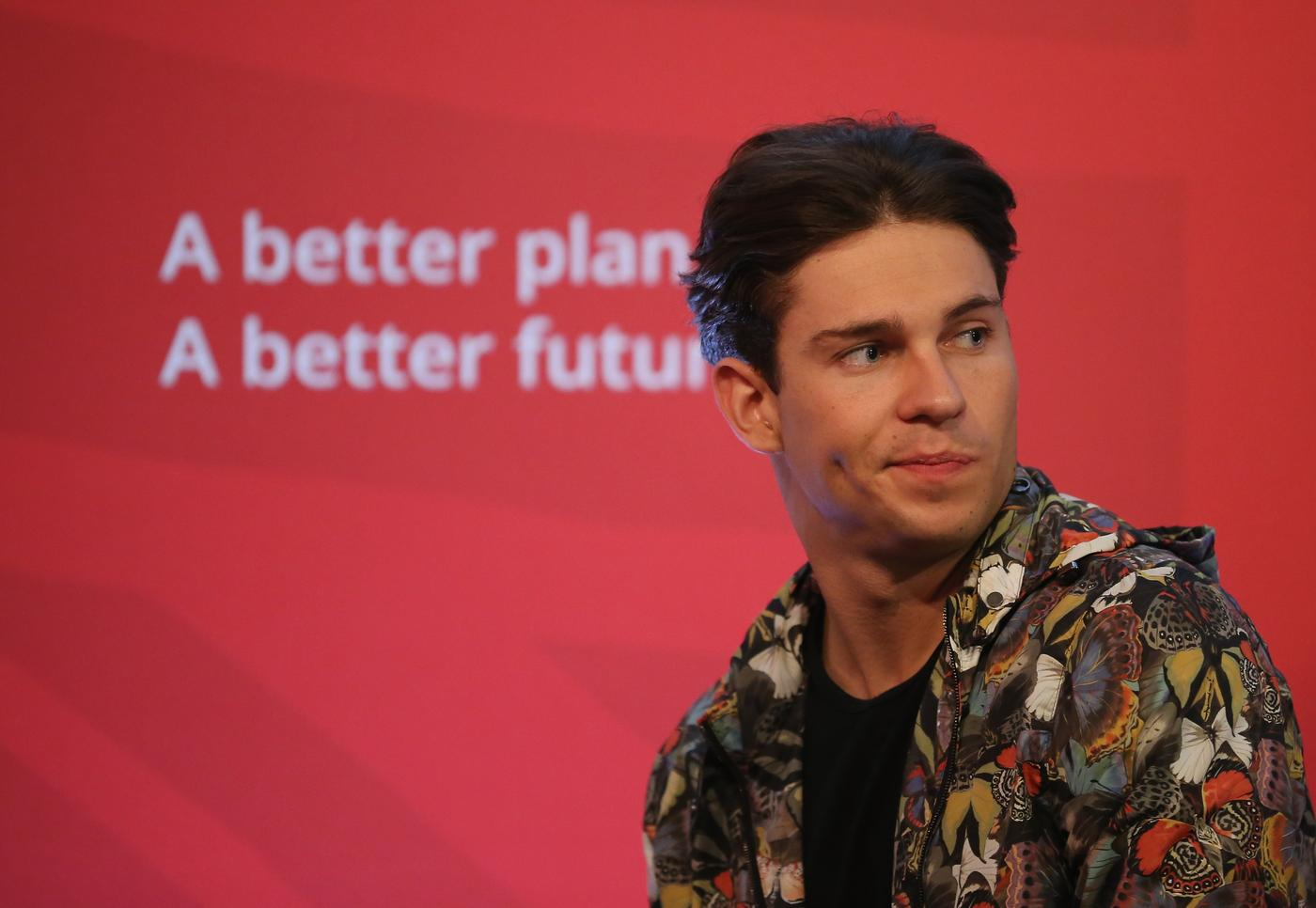 TOWIE's Joey Essex reckons politicians should start wearing onesies