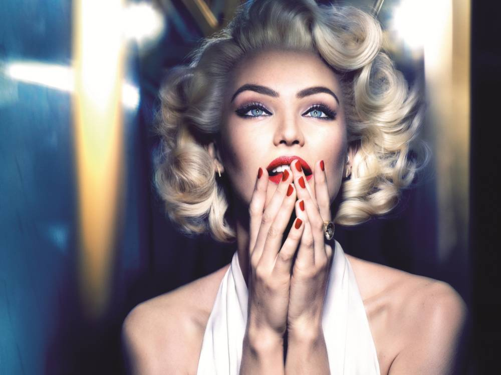 Candice Swanepoel shows us how to recreate Marilyn Monroe's classic make up