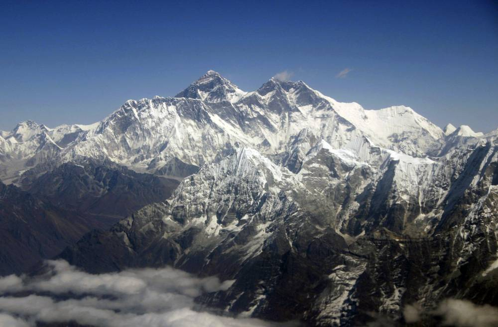Mount Everest changed direction because of the Nepal earthquake