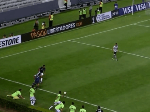 Cheeky Colo Colo substitute almost helps his team catch out Atlas goalkeeper with quick throw