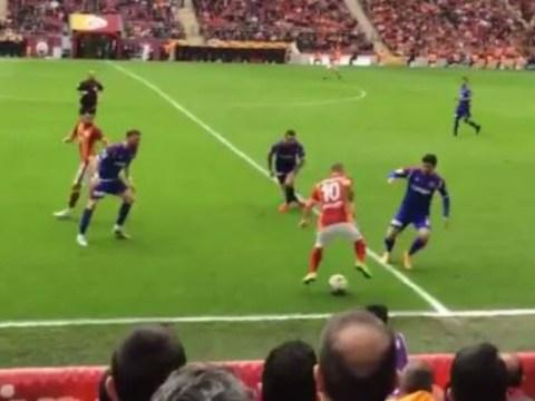 Manchester United transfer target Wesley Sneijder owns Karabukspor defence with incredible skills
