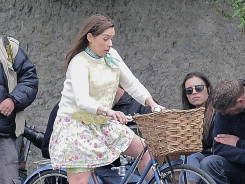 We barely recognised this famous actress on the set of her new film