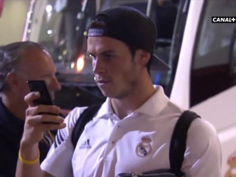 Gareth Bale unwittingly becomes a photographer for Real Madrid fans taking picture with James Rodriguez