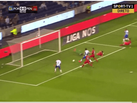Watch £33m Arsenal transfer target Yacine Brahimi miss embarrassingly easy chance for Porto
