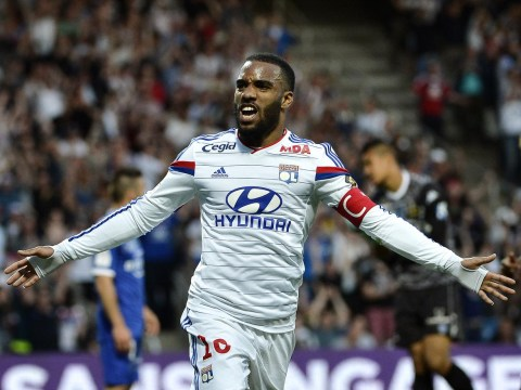 Manchester United 'emerge as shock contenders to win Alexandre Lacazette transfer race'