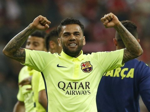 Barcelona's Dani Alves 'to complete Manchester United transfer within days'
