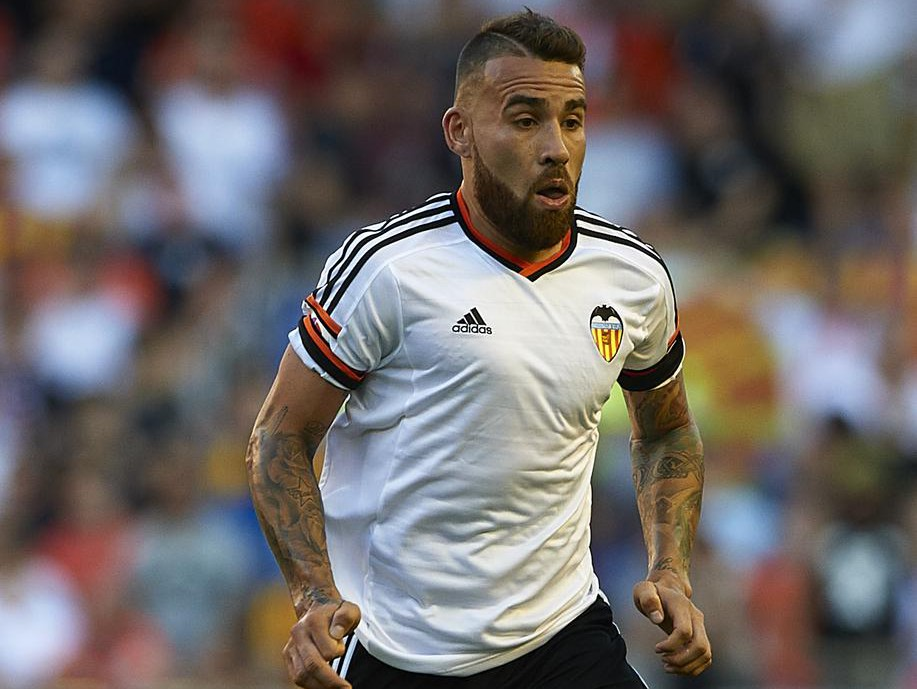 Nicolas Otamendi 'ready to force through £34.5m Manchester United transfer after agreeing terms'