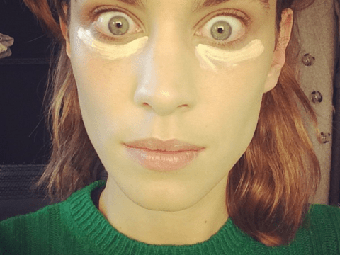 27 things all women think when they forget their make-up bag