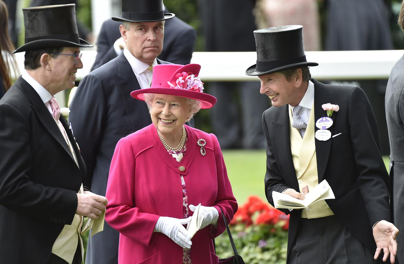 Royal Ascot 2015: Racegoers and Royal Family turn out for first day