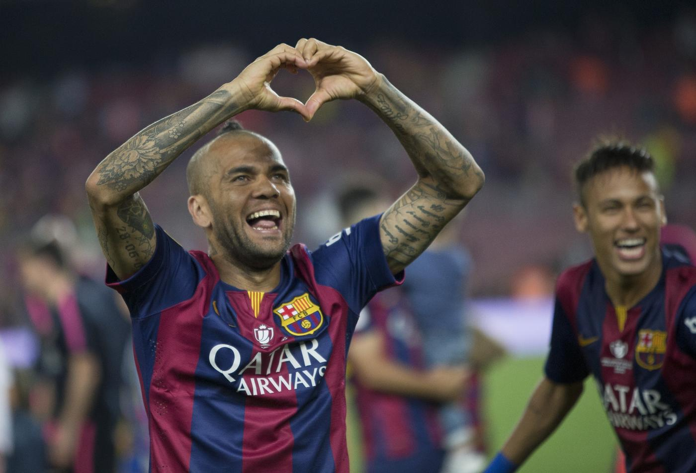 Dani Alves 'leaves Barcelona annoyed after agreeing Manchester United transfer'