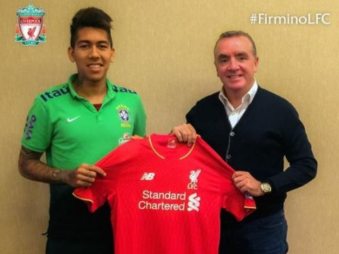 Robert Firmino holds up Liverpool shirt to 100% confirm transfer